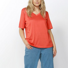 Women's Tops | Messina V-Neck Tee | BETTY BASICS