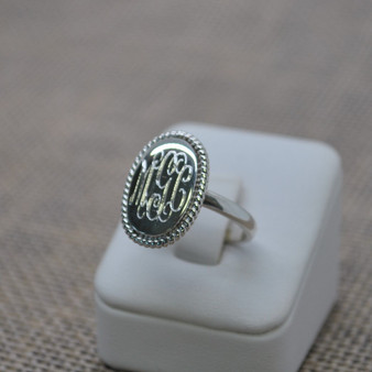 NEW Exclusive Oval Sterling Silver Rope Edge Monogram Ring