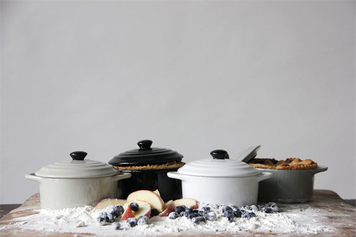 8 oz Stoneware Mini Baker with Lid