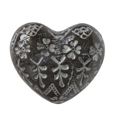 Stoneware Heart Embosed Brown/White