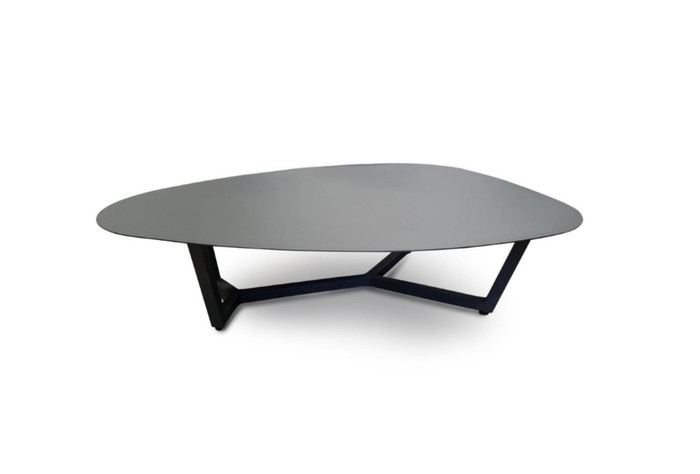 This large Leaf outdoor coffee table is made entirely from aluminium and is finished in an attractive Lava coloured powder-coat. Size is 120x90cm (max dimensions). Ideal for seaside use.