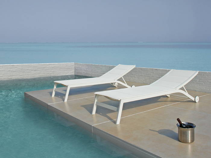Boston sun lounger. Slim, sleek, refined - white