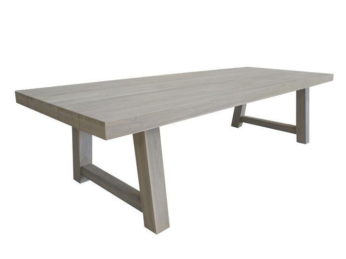 Block table 3.0x1.1m in aged teak Aged finish