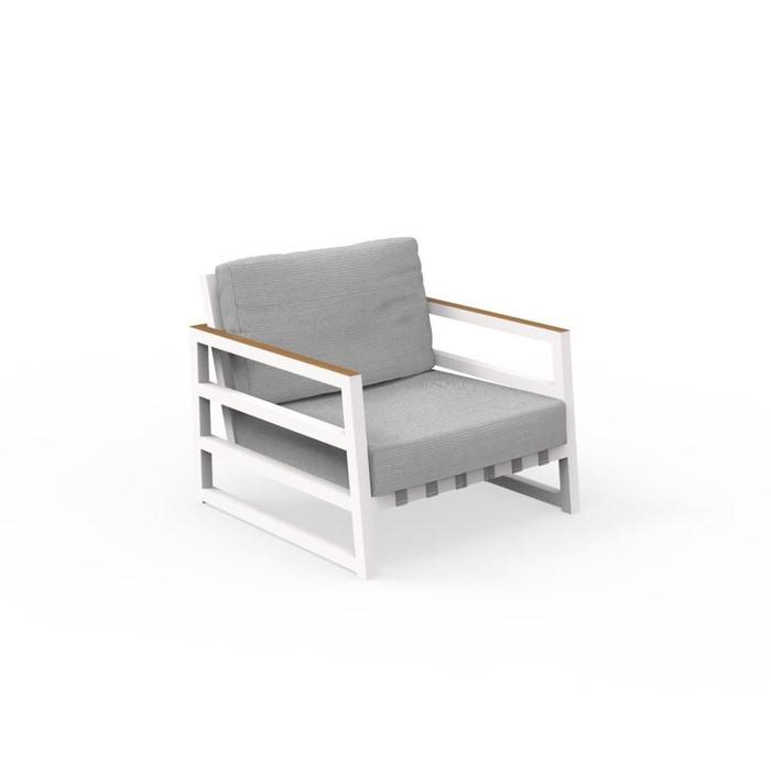 Alabama outdoor aluminium frame arm chair in white
