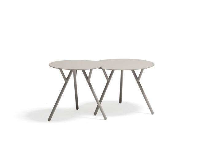 Tree outdoor aluminium side tables - 2 sizes - in light grey by Couture