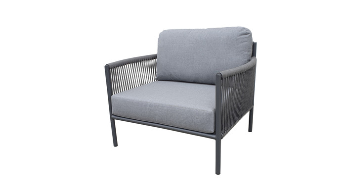 Catania outdoor lounge chair with aluminium frame and outdoor rope and sunbrella cushions