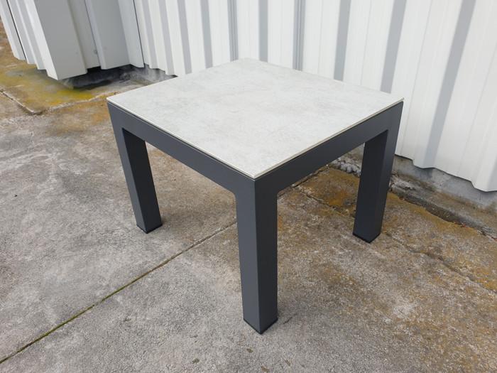 Lisbon outdoor side table 50x44 - faux concrete top