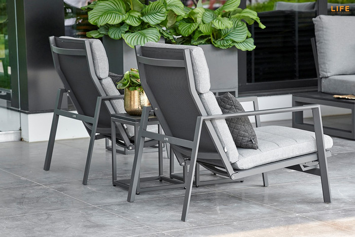 Please note : Poynters supplies premium grade Sunbrella Natte charcaol cushions with the Bondi outdoor chair. Actual colour is a shade darker than picture shown.