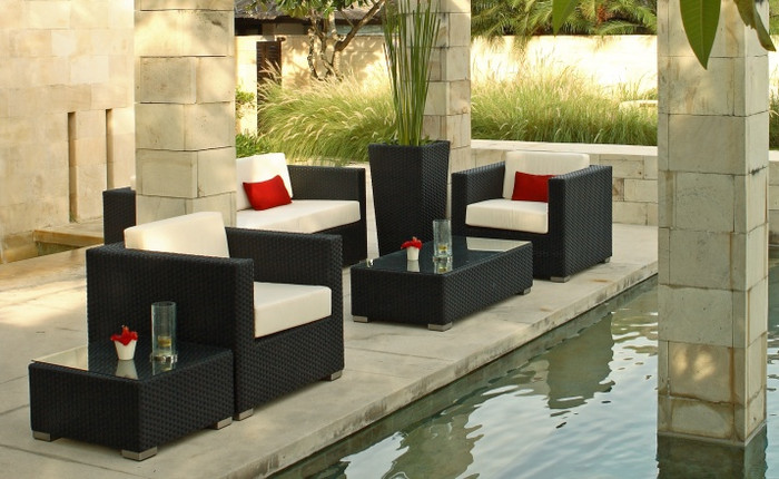 Riviera outdoor lounge suite