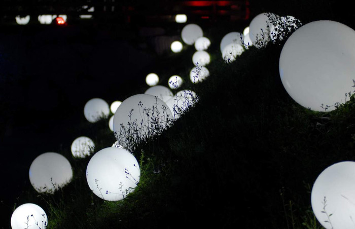 Slide outdoor spheres