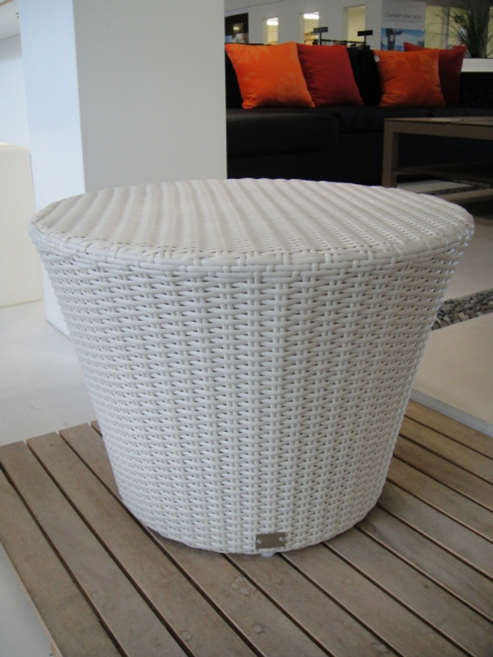 Pisa outdoor side table