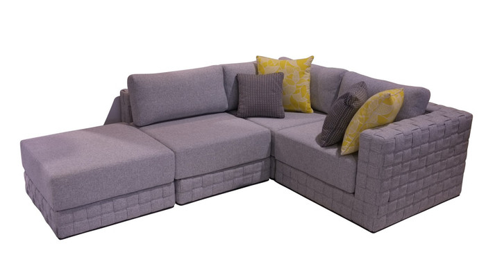 shown with optional scatter cushions