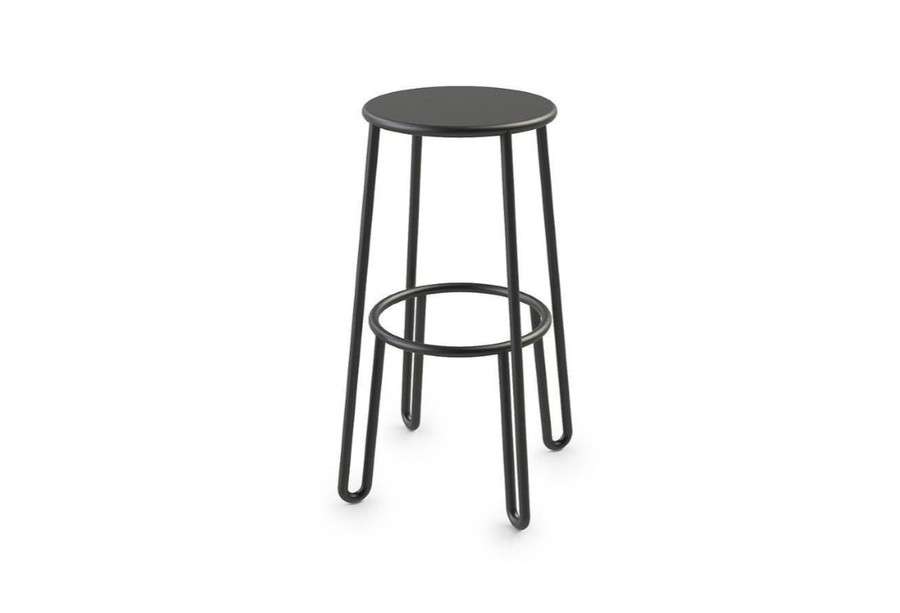 Huggy 75cm high outdoor bar stool in durable aluminium with Du Pont premium powdercoating.