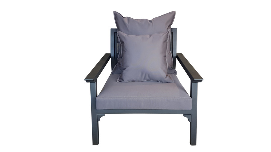 Front profile of Maiori Classique outdoro arm chair in charcoal