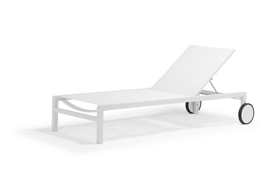 Ella sun lounger with powder-coated aluminium frame and Branded Batyline mesh, in white
