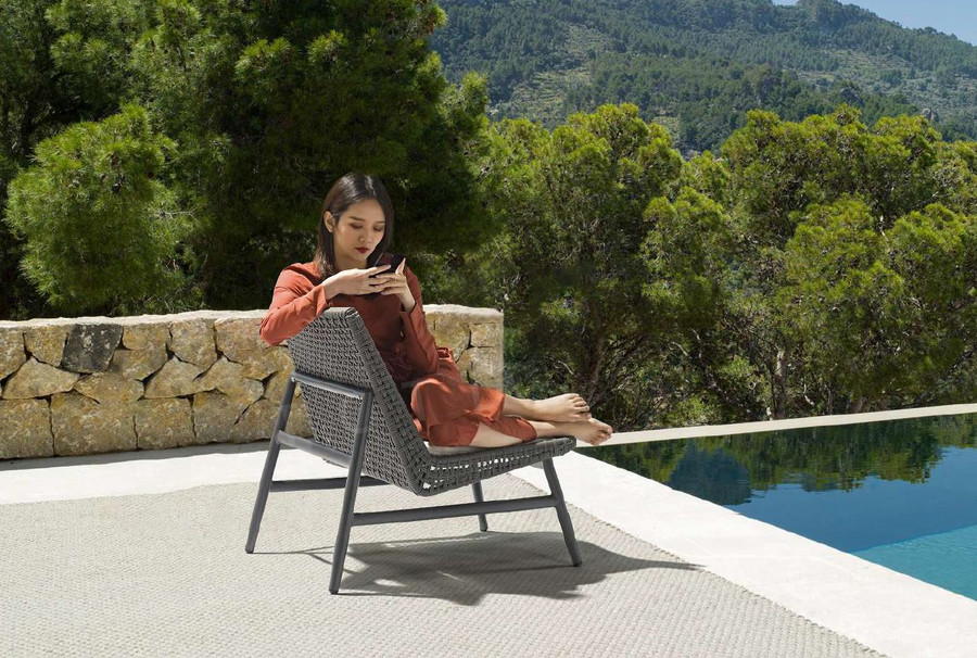 LH outdoor low arm chair
