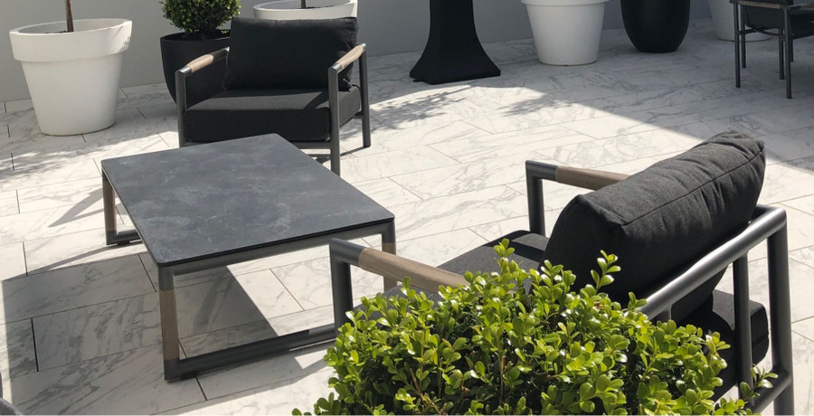 Bastingage outdoor lounge chairs by Les Jardins.