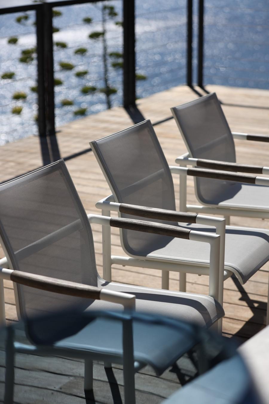 Matching Bastingage dining arm chairs