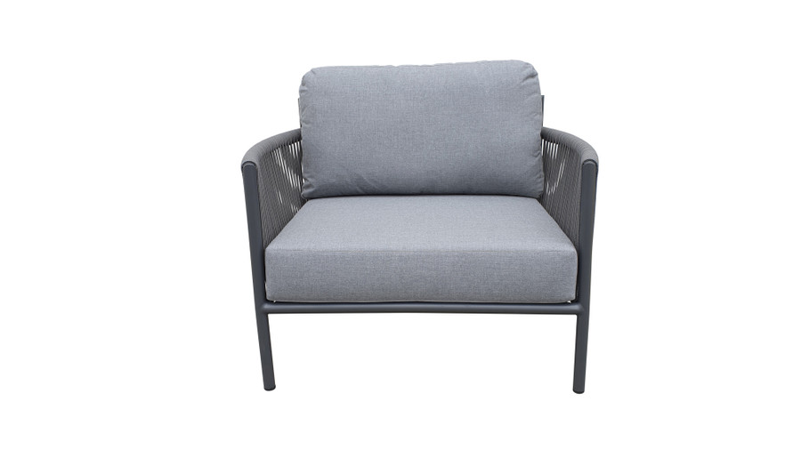 Front view of Catania outdoor lounge chair with aluminium frame and outdoor rope and sunbrella cushions