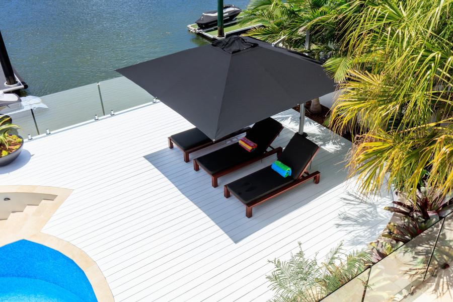 Riviera square umbrella 3x3m in black