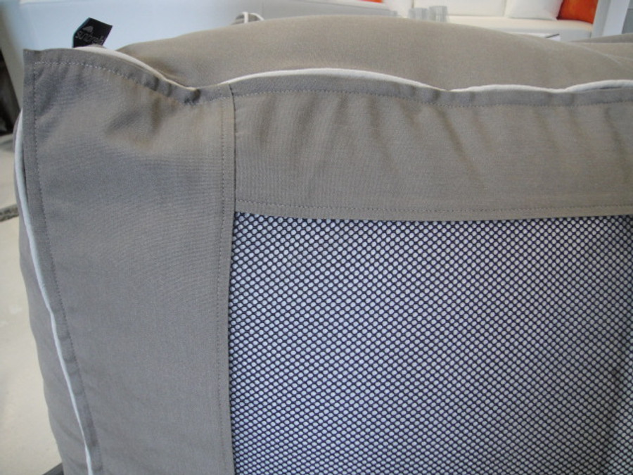 free draining bottom mesh allows any water ingress to escape, minimising damp and mould growth