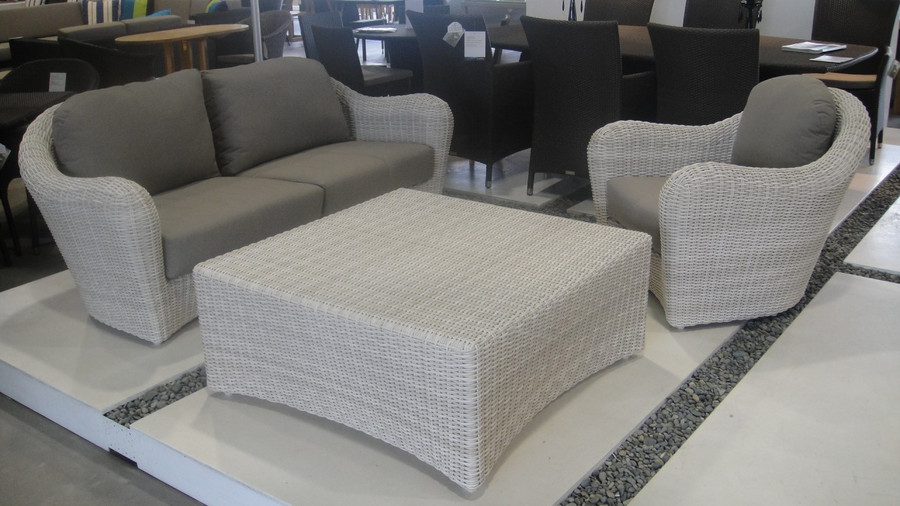 Club outdoor sofa