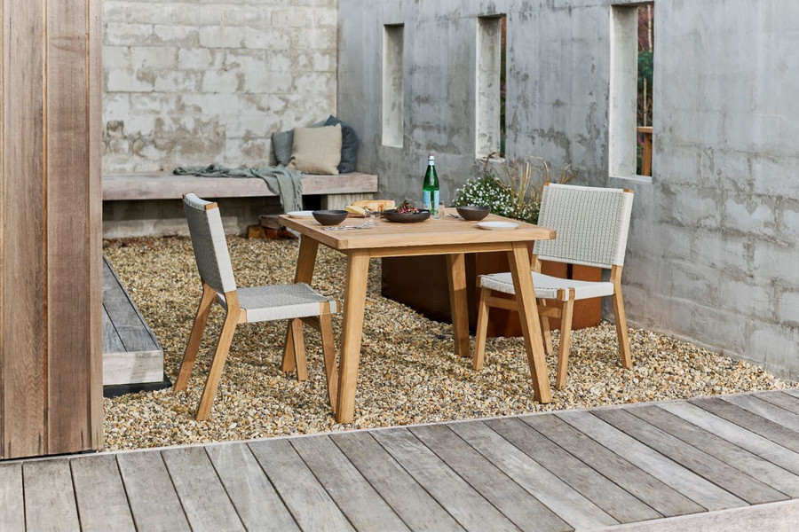 Devon Porter 100x100 outdoor dining table with Devon Jackson chairs
