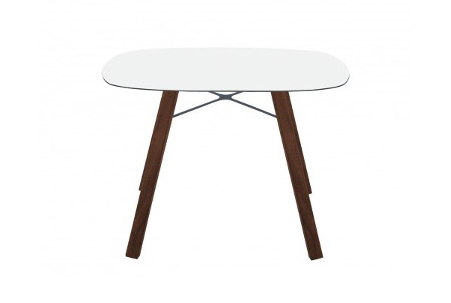 Wox iroko table 100x100, with rounded corners