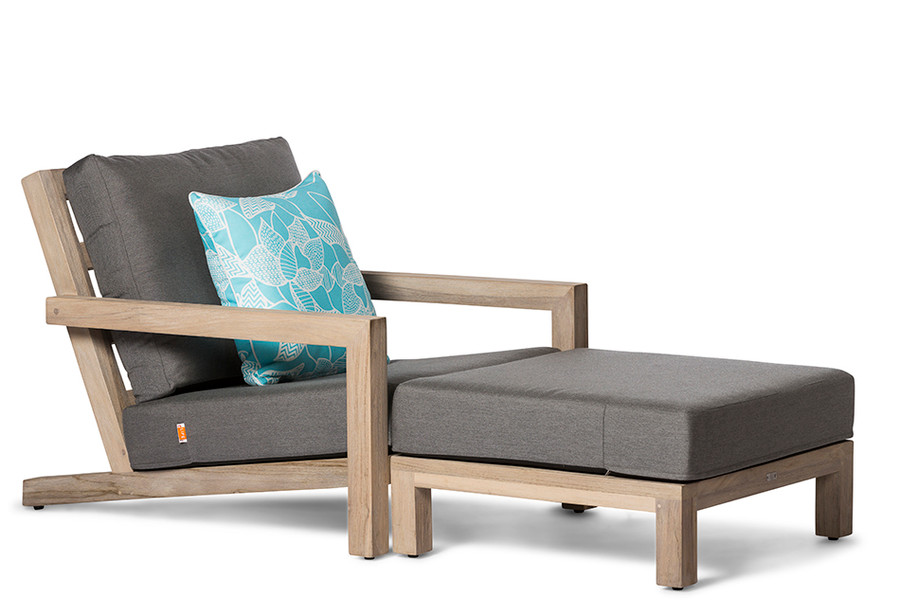 shown with optional ottoman. Scatter cushion available separately