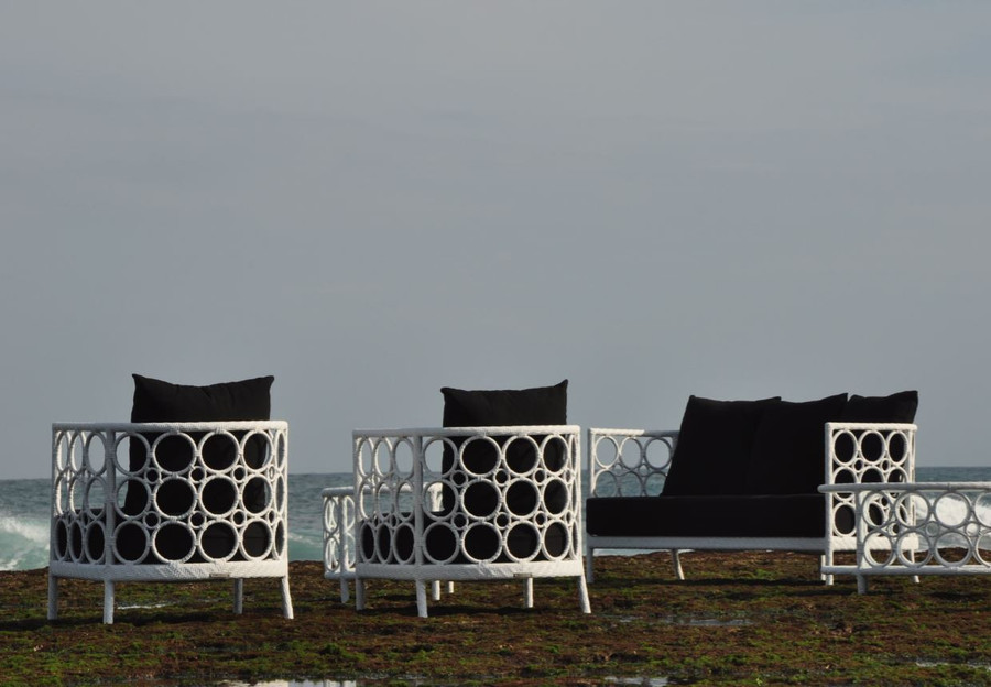 Ring sofa set, including Ring armchair and Ring sofa.