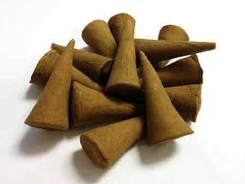 Egyptian Musk Hand Dipped Cone Incense Cones ( cone 000021) - Hand Dipped Cone Incense crafted to have a rich texture and give a awesome scent. Altering the environment through scent encourages relaxation, allowing space for the creative mind to amplify. Our fragrance cones are sold in quantities of 10 per pack.