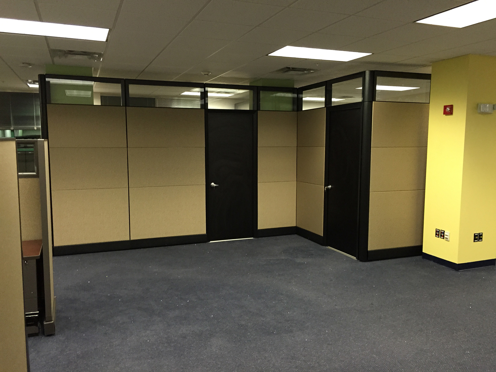 commercial-office-cubicles-in-key-west-florida.jpg