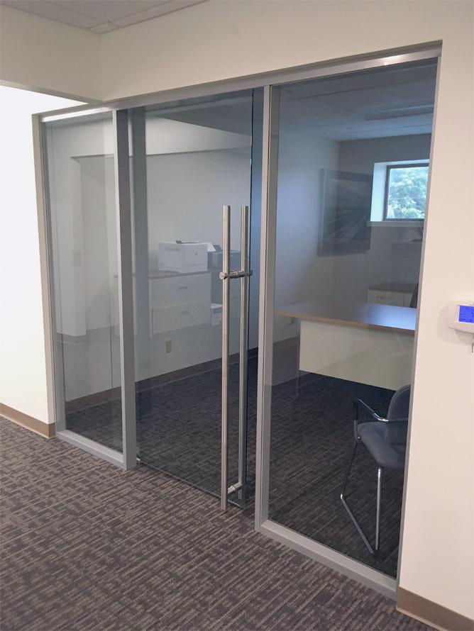 flex-glass-wall-with-sliding-locking-glass-door-bar-pull.jpg