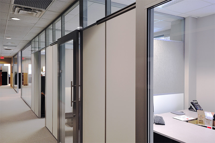 flex-series-offices-with-tackable-fabric-side-walls.jpg