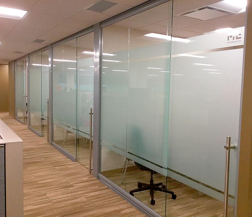 glass-offices-with-locking-sliding-frameless-glass-doors.jpg