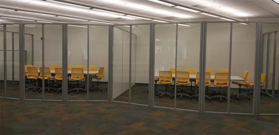 higher-education-freestanding-curved-glass-wall-installation-nxtwall.jpg