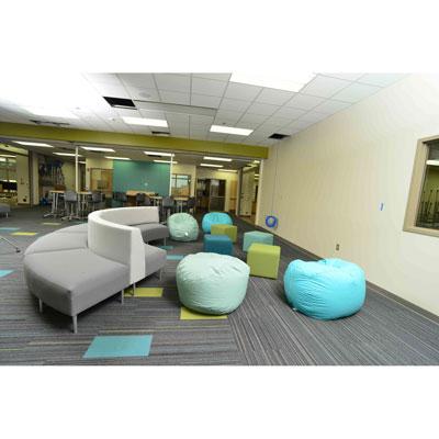 hpfi-install-seating-holton-intermediate-school-07-web-thumb.jpg