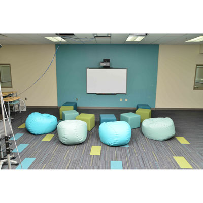 hpfi-install-seating-holton-intermediate-school-25-web-thumb.jpg