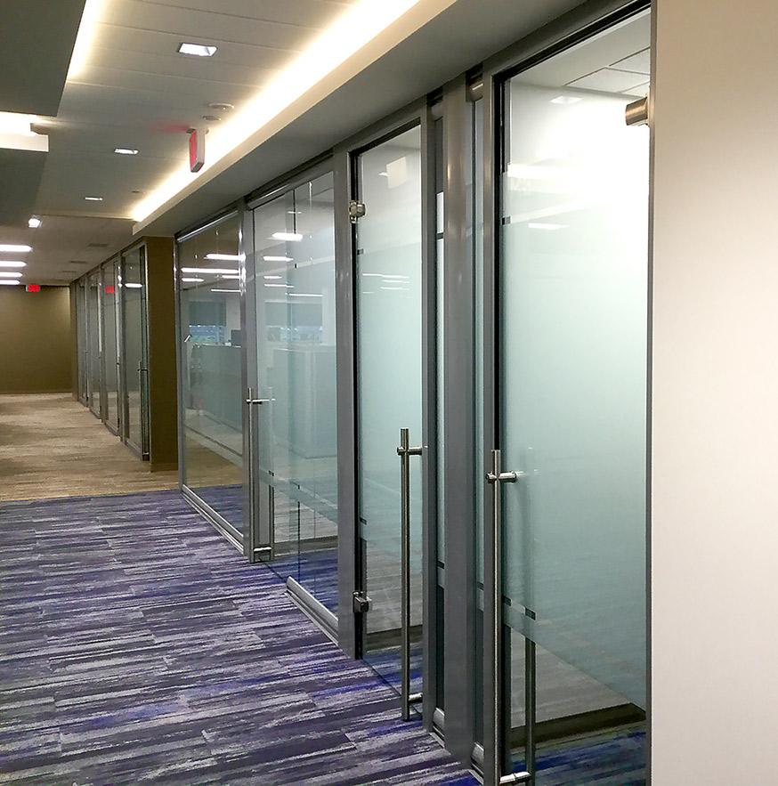 locking-frameless-glass-door-hardware.jpg