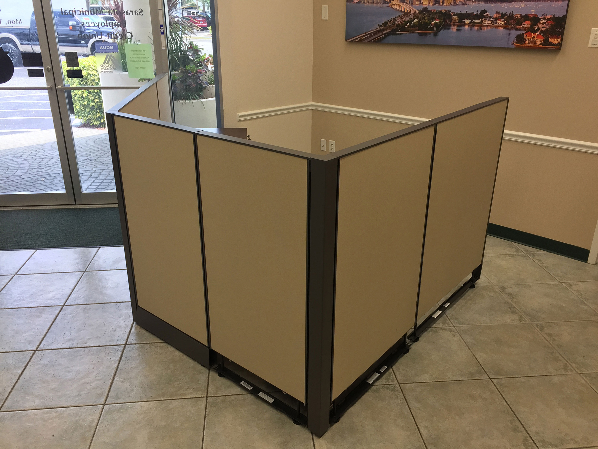 office-cubicles-for-sale-in-cinco-bayou-florida-3-1.jpg
