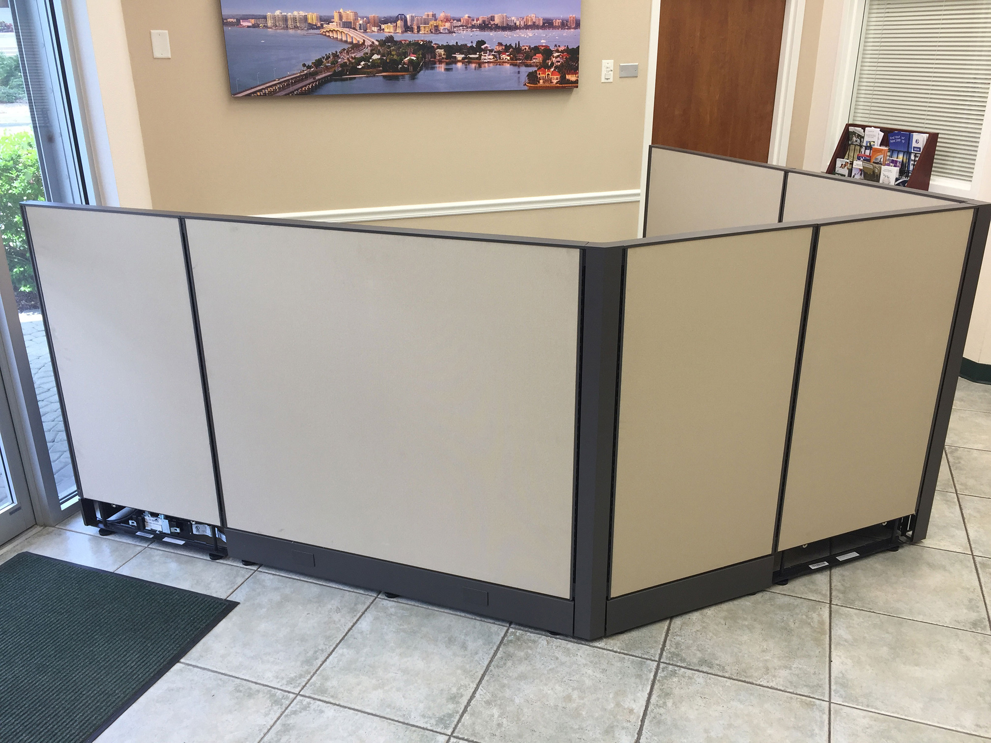 office-cubicles-for-sale-in-cinco-bayou-florida-3-2.jpg