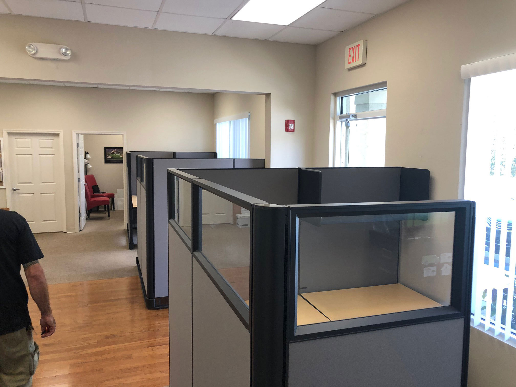 office-cubicles-for-sale-in-hollywood-florida.jpg