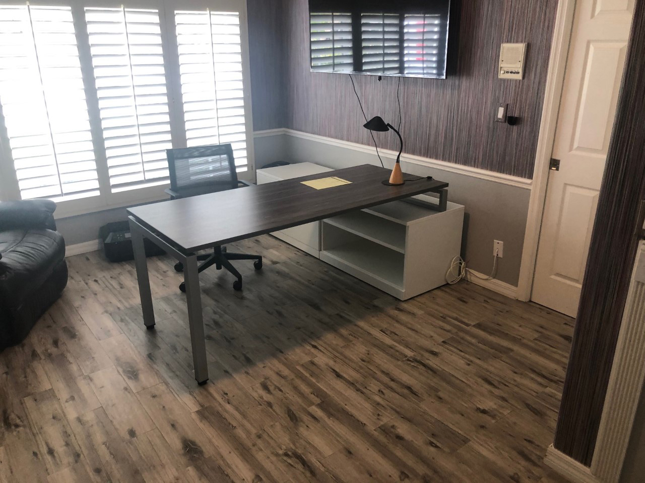 office-desk-cubicle-tampa-florida-9-.jpg