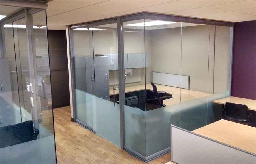 open-corner-glass-office-wall-system-view-series.jpg