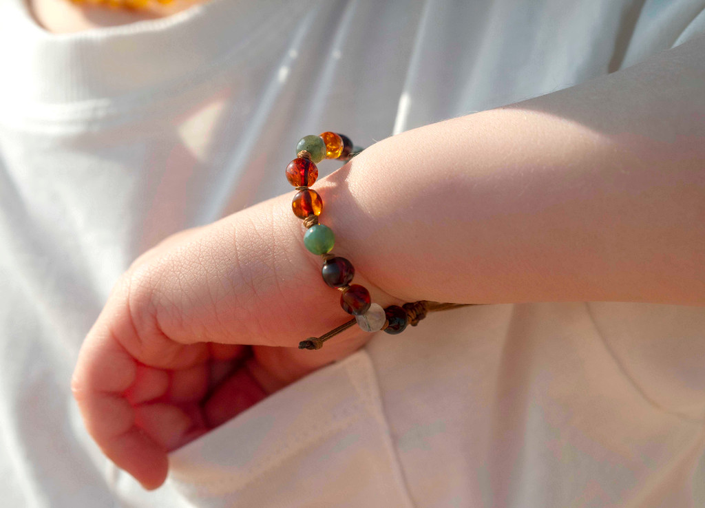 adjustable amber teething bracelet UK