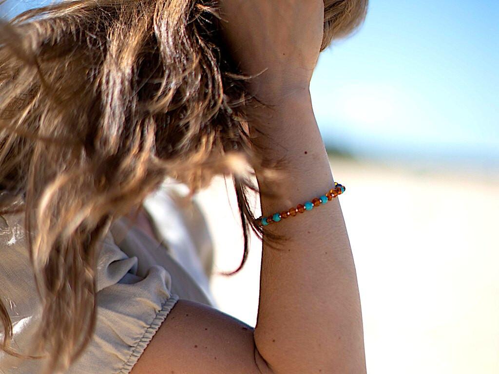 Adult amber bracelet / adjustable / blue turquoise beads