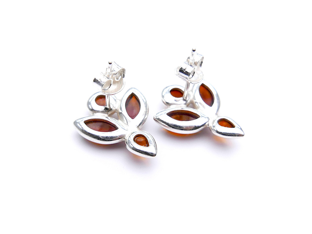 Baltic amber flower stud earrings in sterling silver - cognac