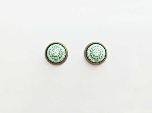 green earrings