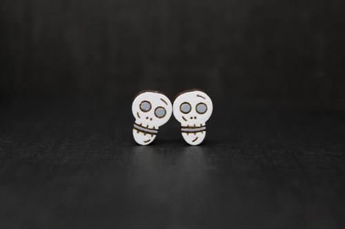 skull earrings