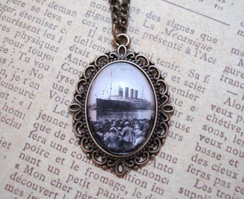 titanic pendant necklace